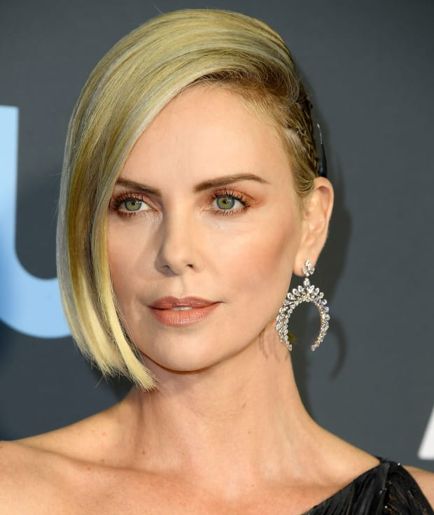 charlize-theron-critics-choice-awards-2019