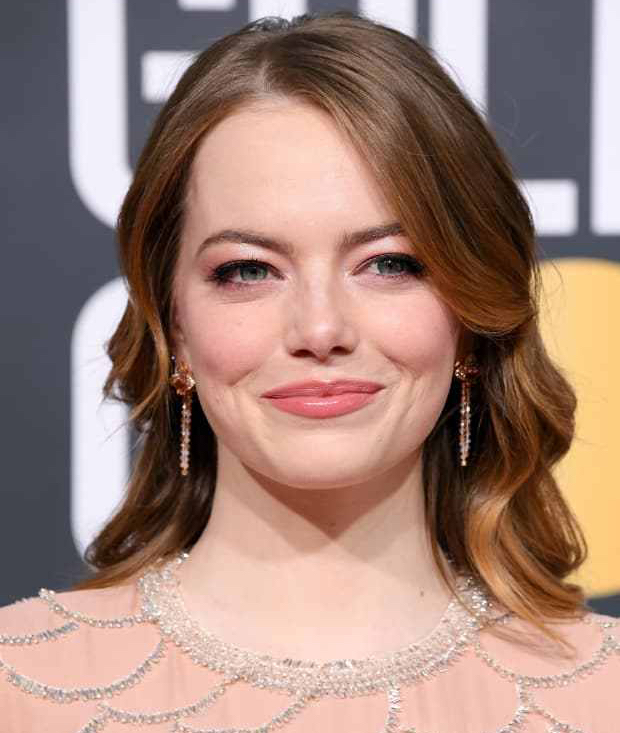 emma-stone-golden-globe-awards-2019