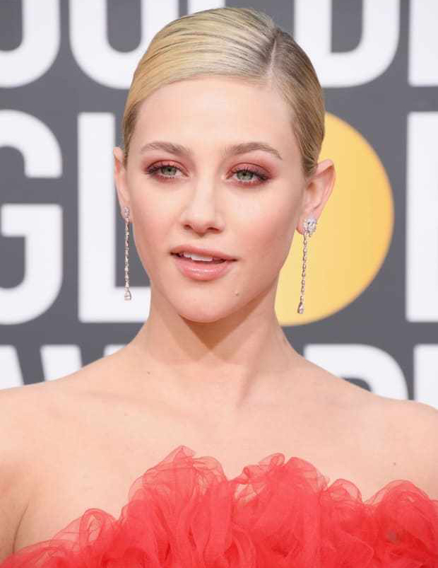 lili-reinhart-golden-globe-awards-2019