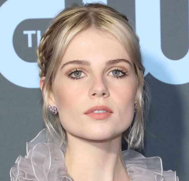 lucy-boynton-critics-choice-awards-2019