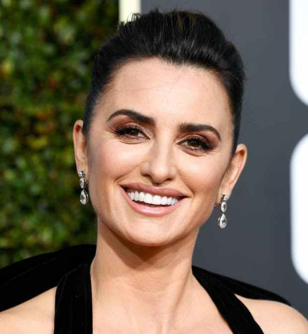 penelope-cruz-golden-globe-awards-2019